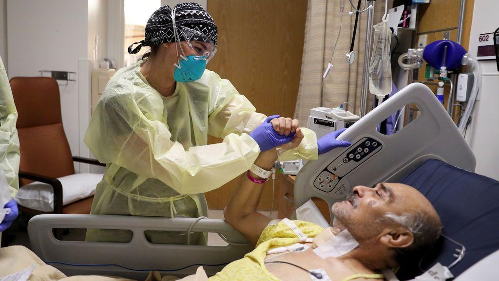 El Gobierno italiano pide prudencia ante los médicos que dicen que el coronavirus es ahora más débil