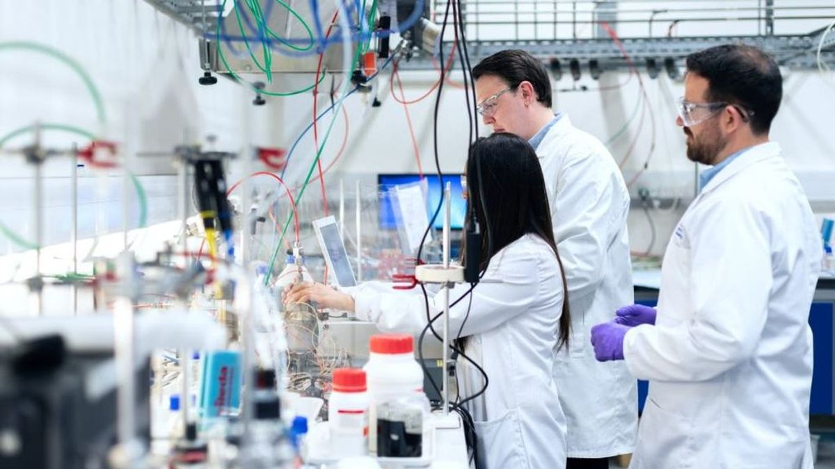 La Fundación BBVA dota con 2,7 millones de euros proyectos de investigación sobre el covid-19