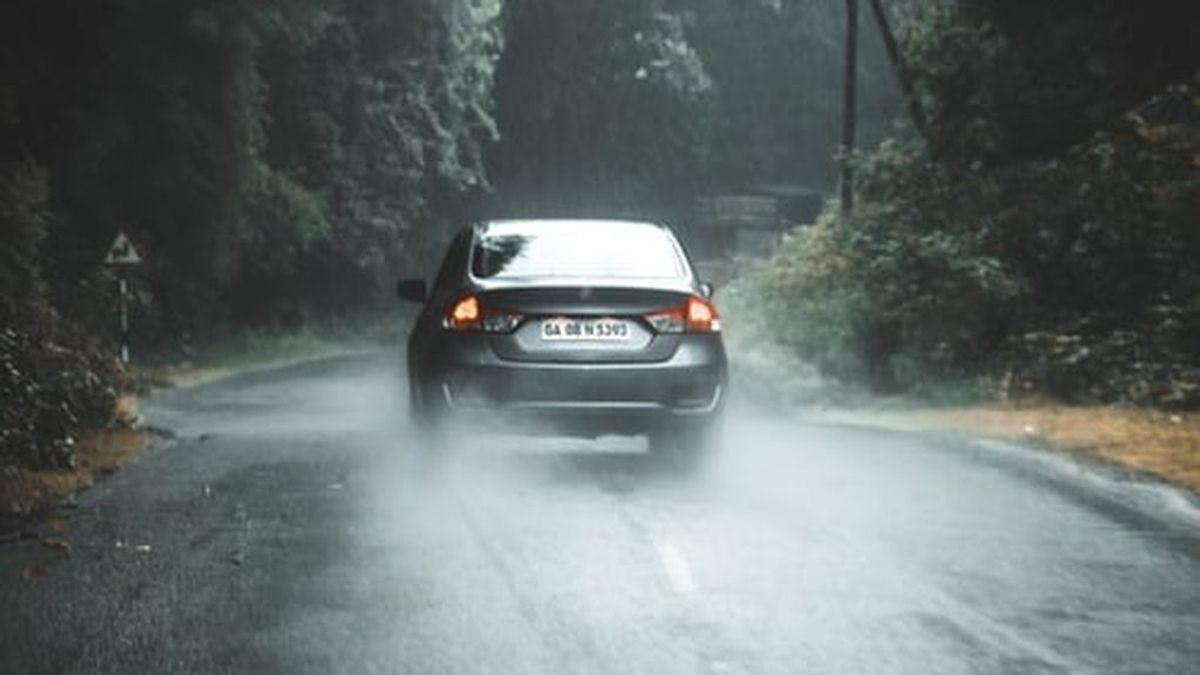 Granizada al volante: lo que hay que hacer si pilla una tormenta en la carretera