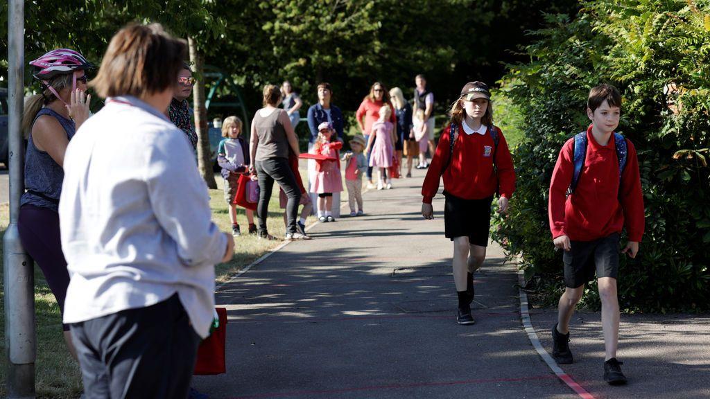 Reino Unido reabre escuelas de primaria y ¿ el resto de Europa?