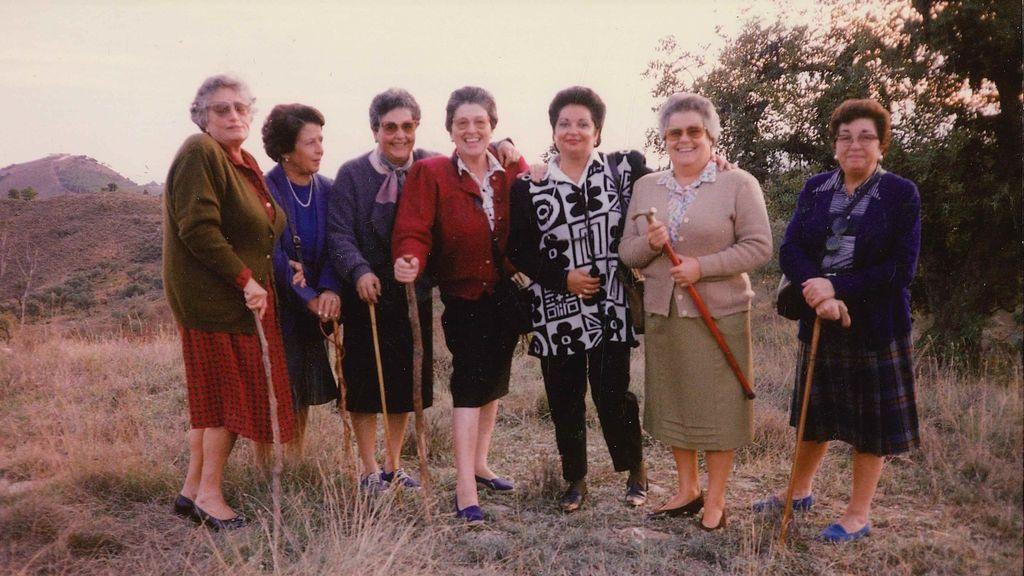 """""""Quería envejecer con mis amigas"""": la historia de las pioneras malagueñas que trajeron el cohousing a España hace tres décadas"""