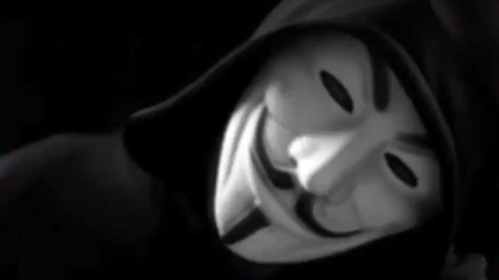 Los trapos sucios de la policía y de Epstein con famosos, en el punto de mira de Anonymous tras las revuetlas en EEUU