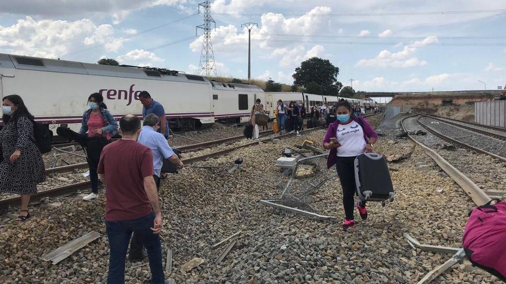 Un muerto al descarrilar un tren en Zamora