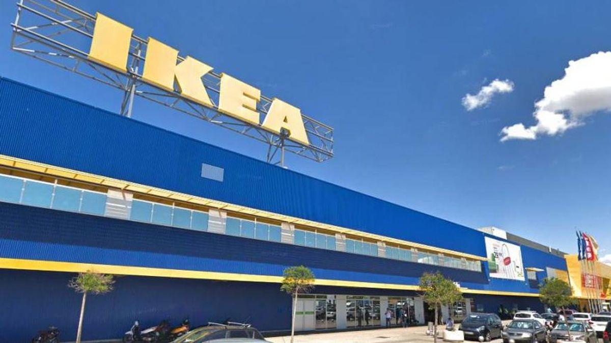 OCU denuncia que Ikea cobra un suplemento de 9 euros a cada cliente que entra en su tienda física