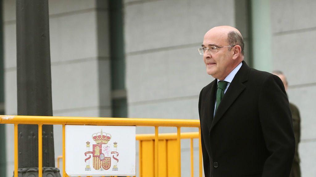 Interior admite que cesó a Pérez de los Cobos por no informar de las investigaciones sobre el  8-M