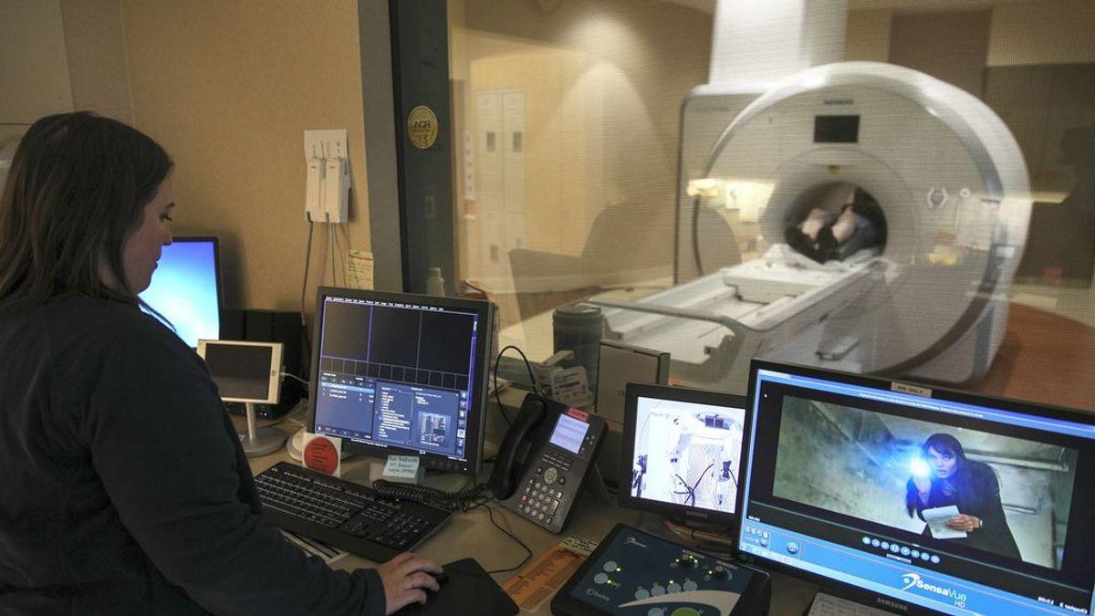 """Las imágenes de una resonancia magnética muestran signos de """"invasión cerebral viral"""" en pacientes con Covid-19"""
