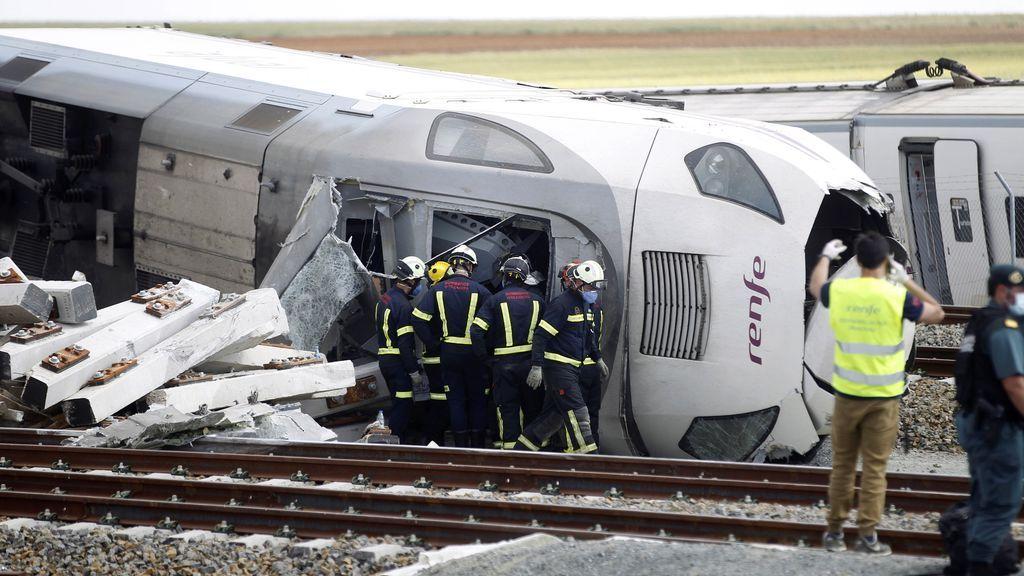 Descarrila un Alvia Madrid-A Coruña en Zamora tras chocar contra un turismo: dos fallecidos