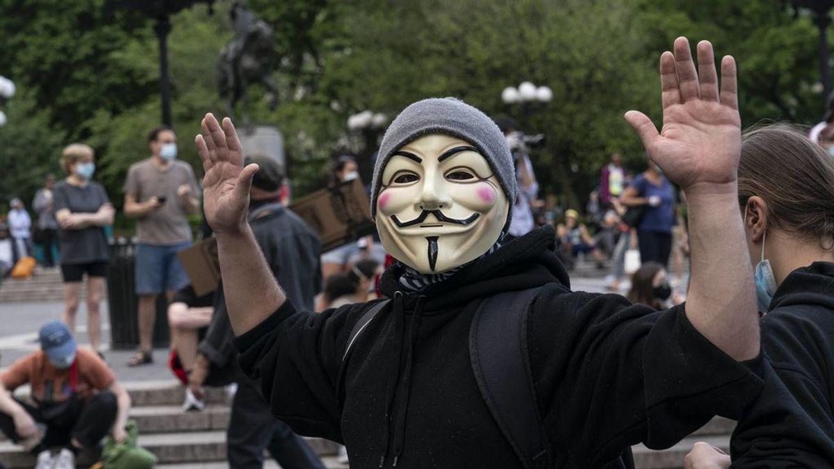 Anonymous hackea la radio de la policía de Chicago y Minneapolis