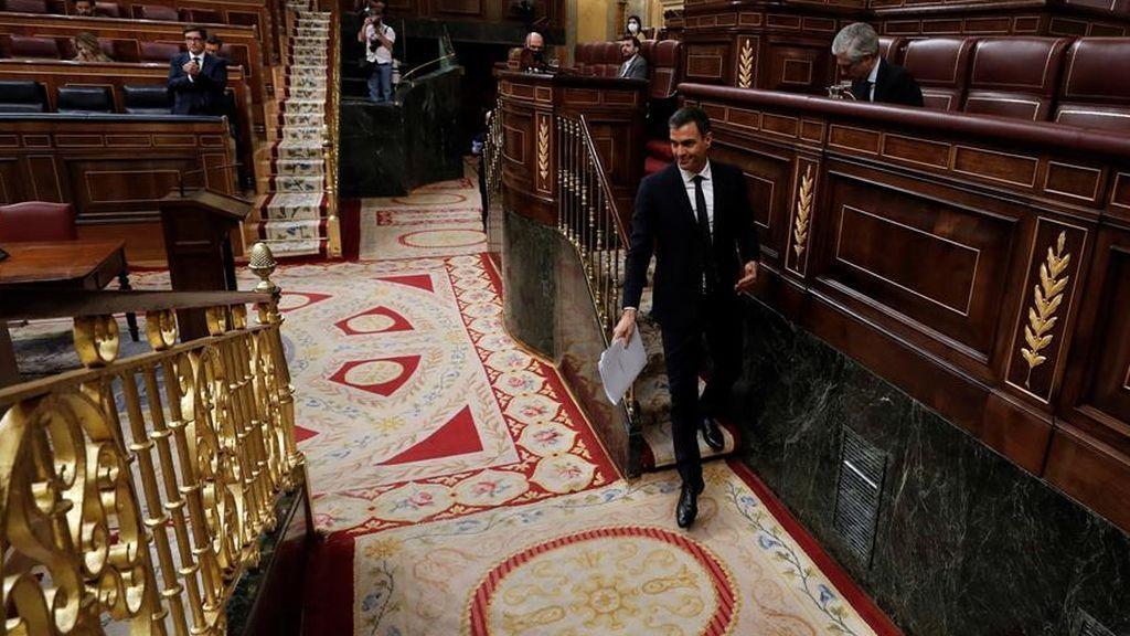 El presidente del Gobierno, Pedro Sánchez, tras su intervención en la tribuna del Congreso