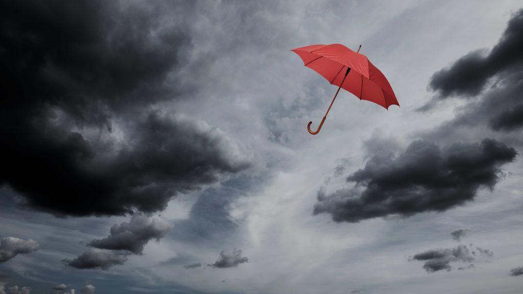 Aviso naranja en el norte y centro de España: van a caer 40 litros/m2 con fuerte viento