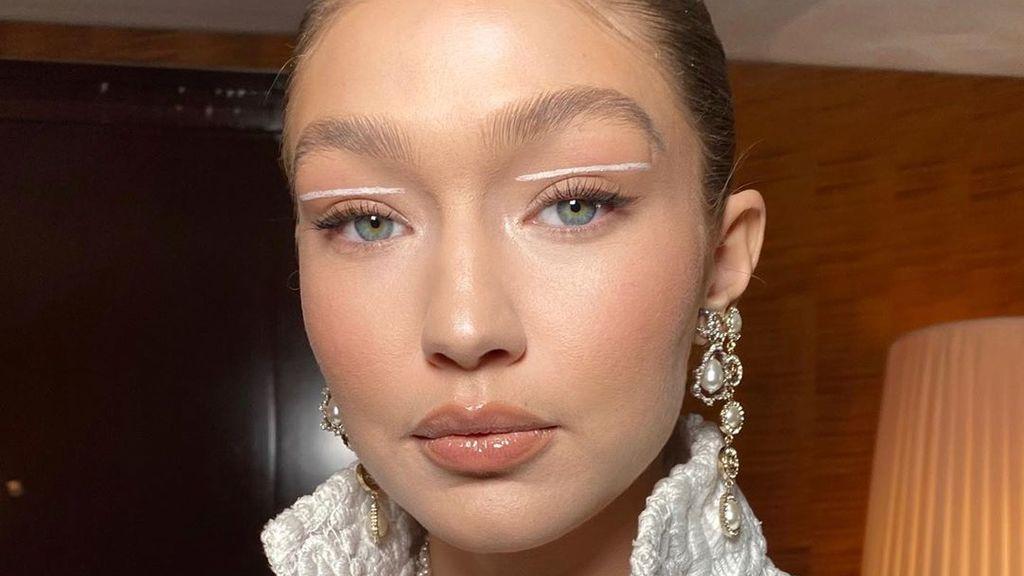 'Eyeliner' blanco: el maquillaje más sorprendente del verano que ya llevan de Gigi Hadid a Blanca Suárez