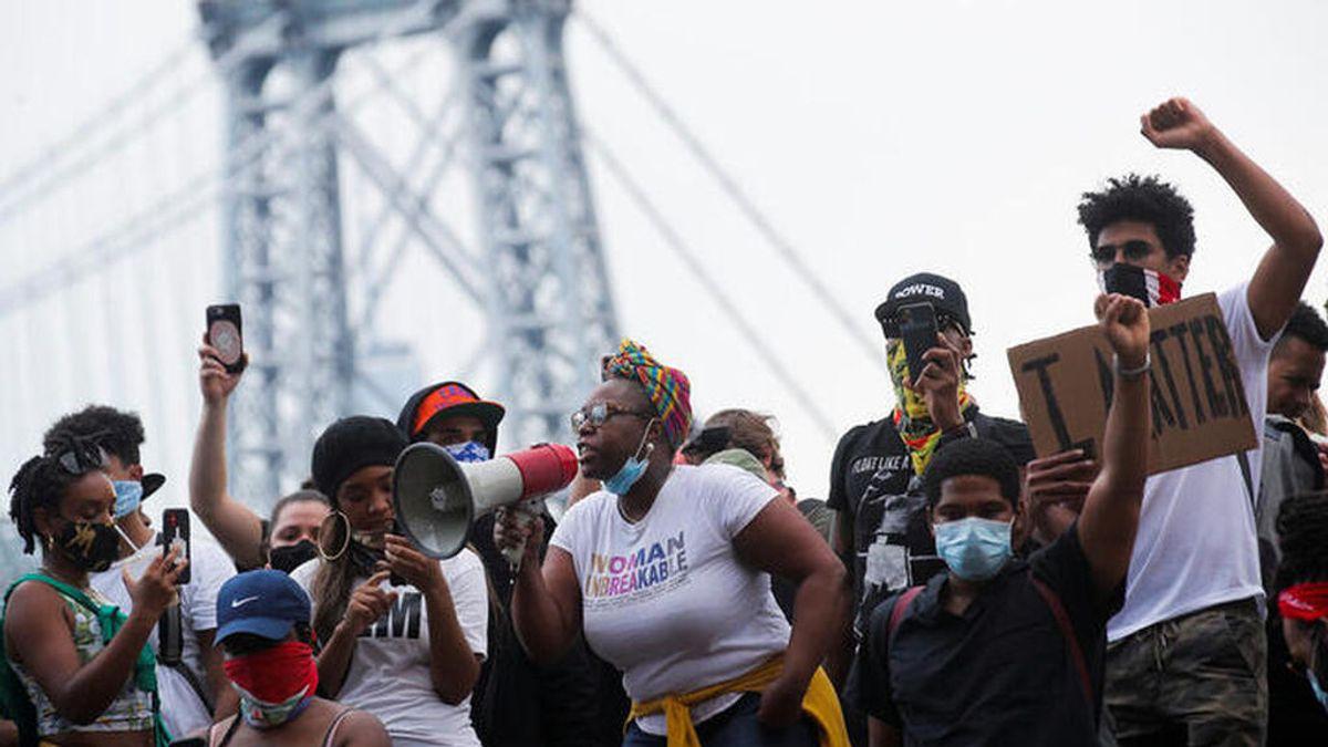 Choques entre manifestantes y Policía en Nueva York en una nueva jornada de protestas por la muerte de Floyd