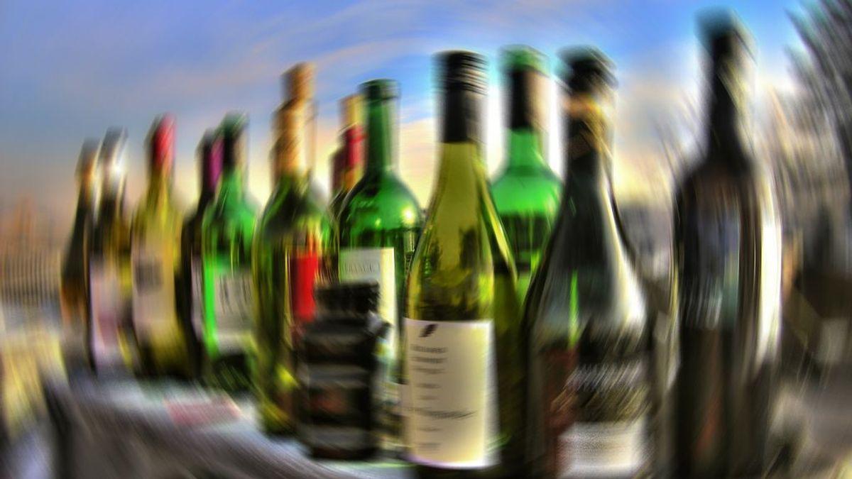 Sanidad alerta de que el alcohol ni previene ni cura el coronavirus