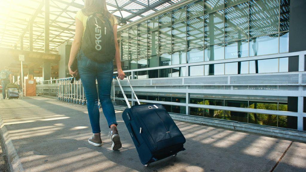 El equipaje de mano, prohibido en cabina durante la desescalada de los vuelos