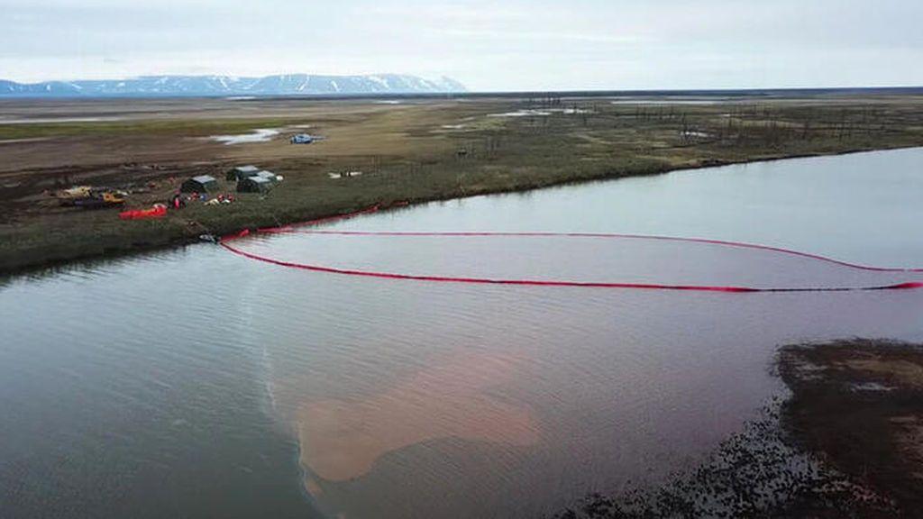 Estado de emergencia federal en Rusia tras un derrame de 21.000 toneladas de combustible diésel en el Ártico