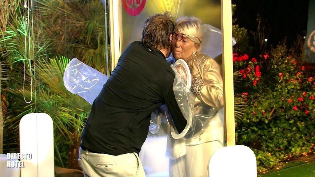 """El lacrimógeno reencuentro entre Hugo y su madre: """"Te amo de verdad"""""""