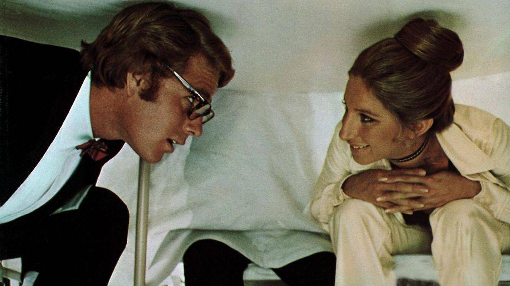 El tabú del amor entre médico y paciente: la historia de tres casos reales más allá de los 45