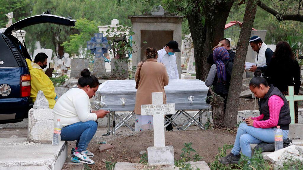 Brasil y México registran un nuevo récord de muertos diarios por COVID-19