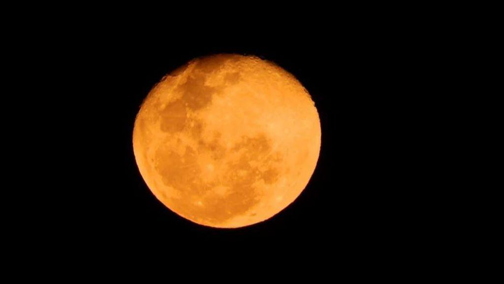 La 'Luna de fresa': todo sobre el eclipse penumbral del viernes