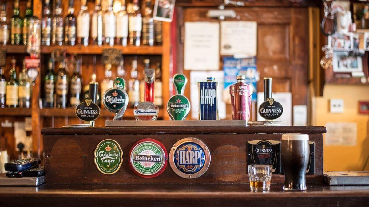 Sobre presidentes, reyes y cerveza: en las repúblicas se bebe más que en las monarquías
