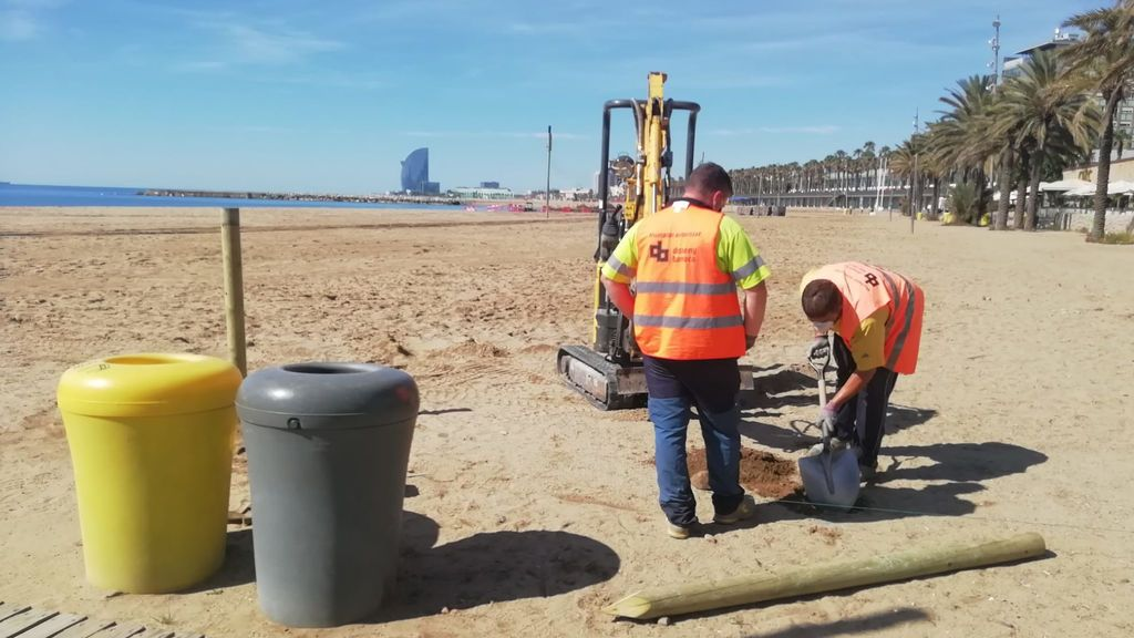 Abren las playas de Barcelona