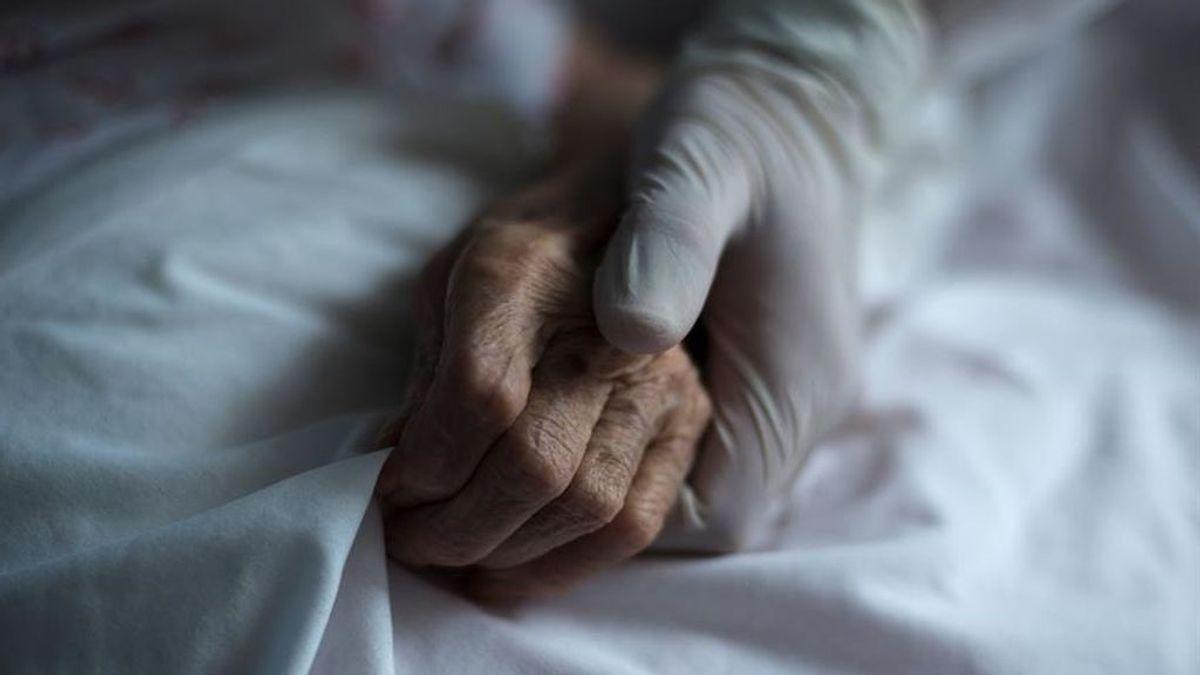 La orden de no hospitalizar a algunos ancianos en Madrid estuvo vigente al menos una semana