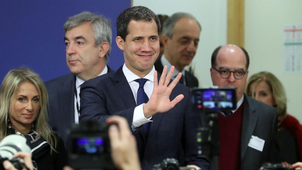 Guaidó se refugia en la embajada de Francia en Caracas
