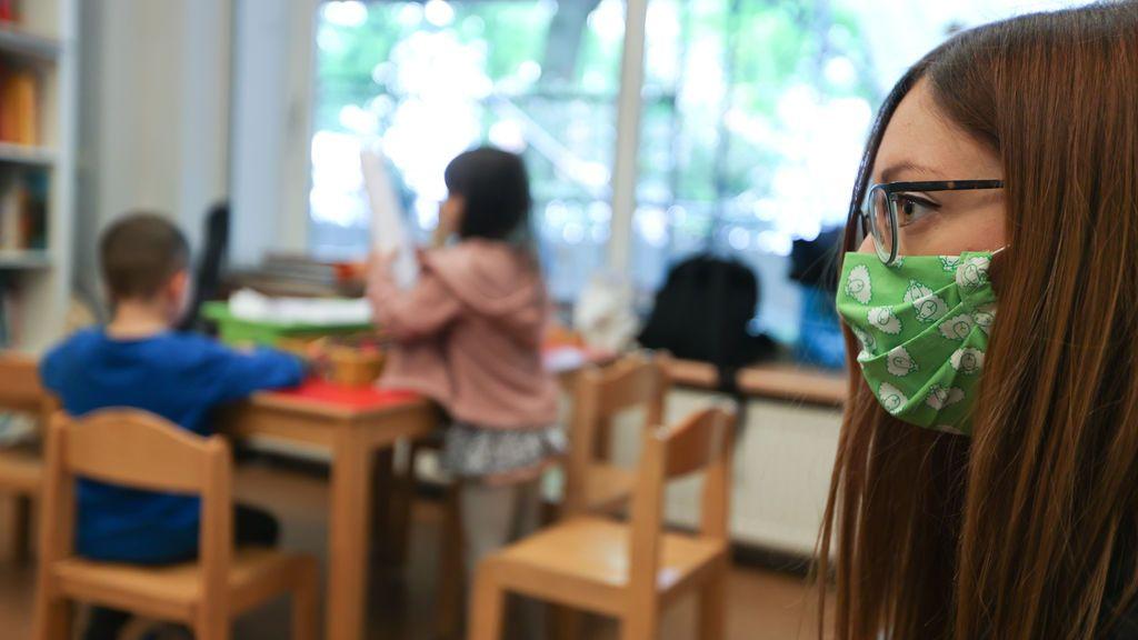 El camino sajón en la pandemia: abrir primero las escuelas y dar explicaciones después a los ciudadanos