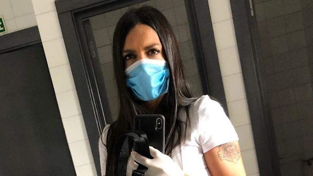 """Lorena Castell sale con su hijo y acaba en la ambulancia tras un percance: """"Esto tiene mala pinta"""""""
