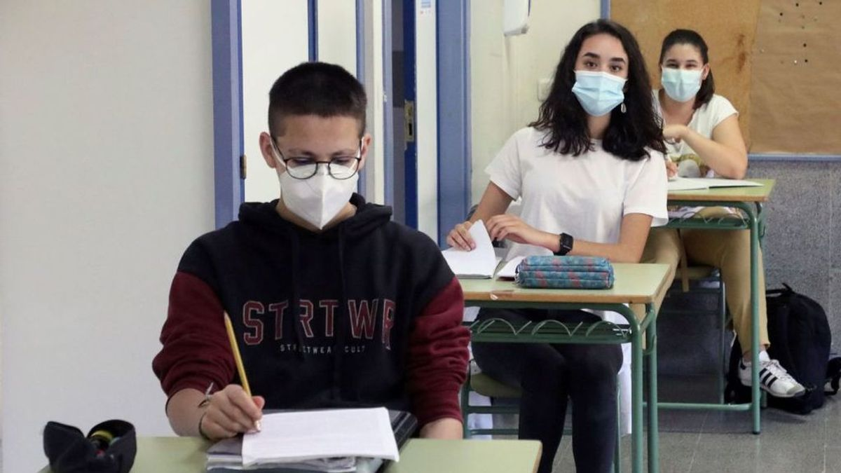 Los estudiantes que realicen la EvAU deberán llevar mascarilla y gel desinfectante al examen