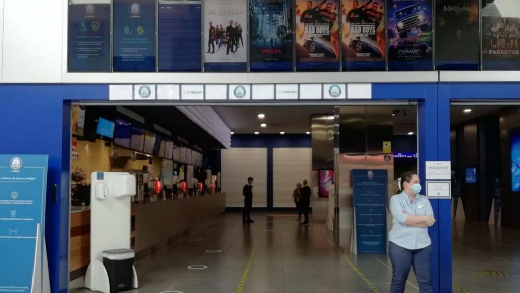 Vuelve el cine: con palomitas, sin estrenos y con la mitad de aforo
