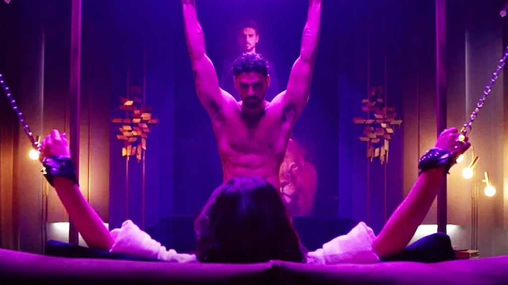 Escena de la película '365 DNI'