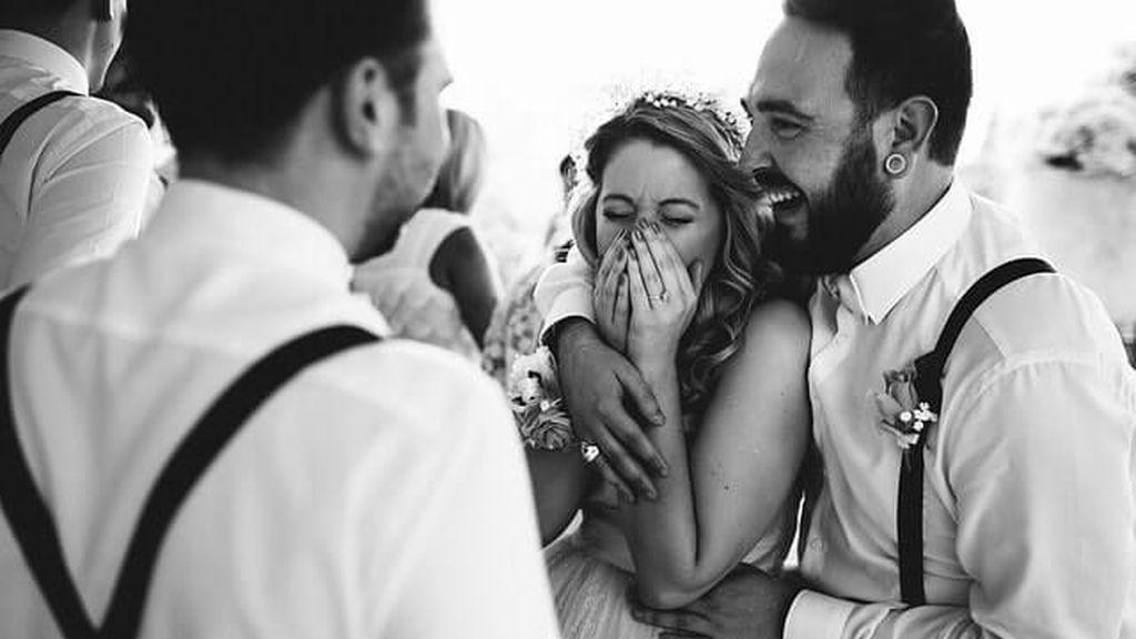 Si te ha tocado dedicarle unas palabras a los recién casados, prepara el discurso antes de la boda.