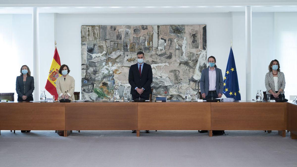 Minuto de silencio del Consejo de Ministros reunido en Moncloa