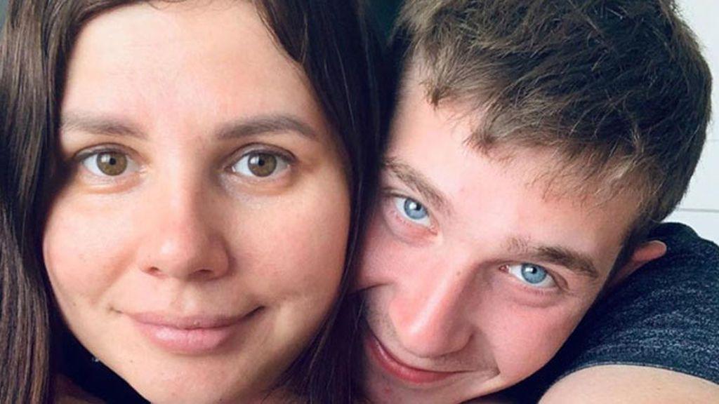 Una conocida influencer anuncia que tendrá un bebé con su hijastro