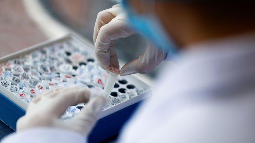 Aseguran que una de las vacunas chinas en desarollo genera anticuerpos y no da lugar a complicaciones