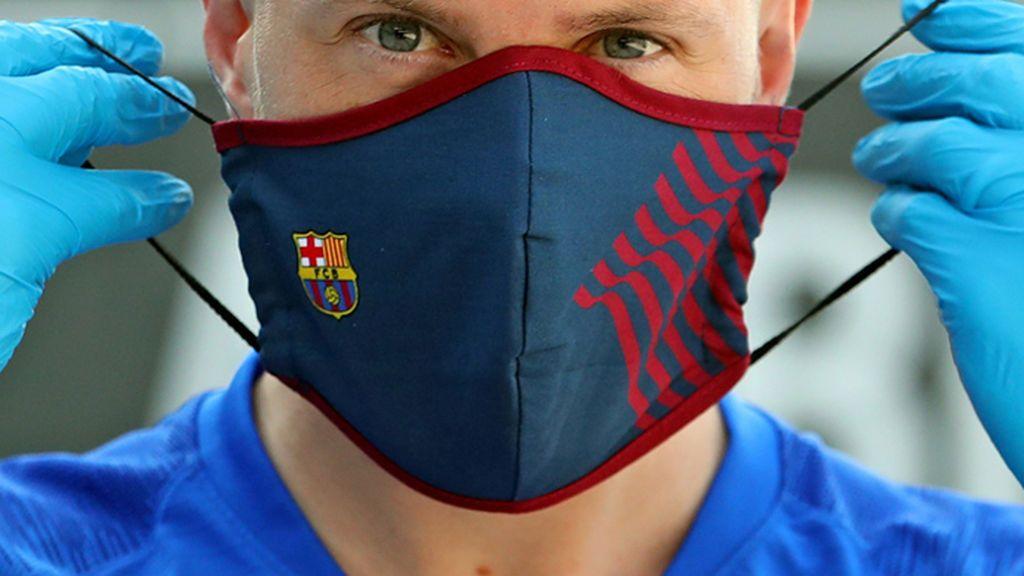 Las mascarillas de los equipos de las 5 grandes ligas: de los 18 euros del Barça a los 3,99 del Betis