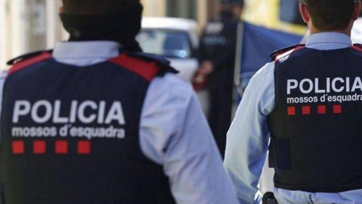 Un joven de 28 años apuñala y hiere gravemente a su compañera de piso en Girona