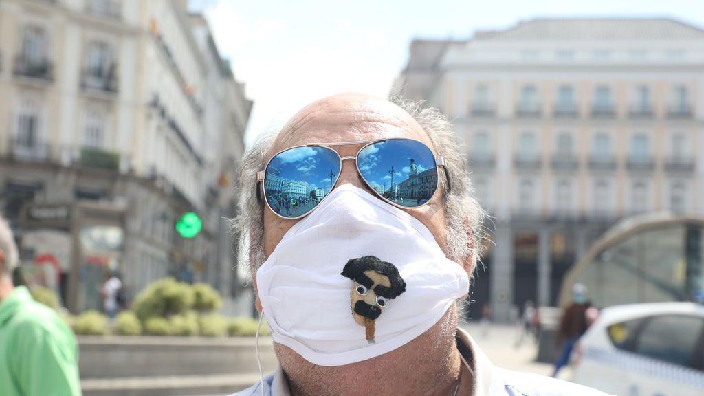 Los farmacéuticos advierten que es necesario usar protección solar en la piel cubierta por la mascarilla
