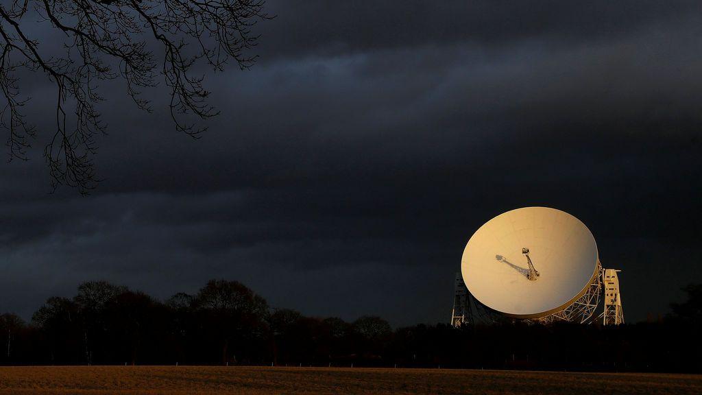 Una señal de radio llega desde el espacio cada 157 días: los astrónomos están estudiando su periodicidad
