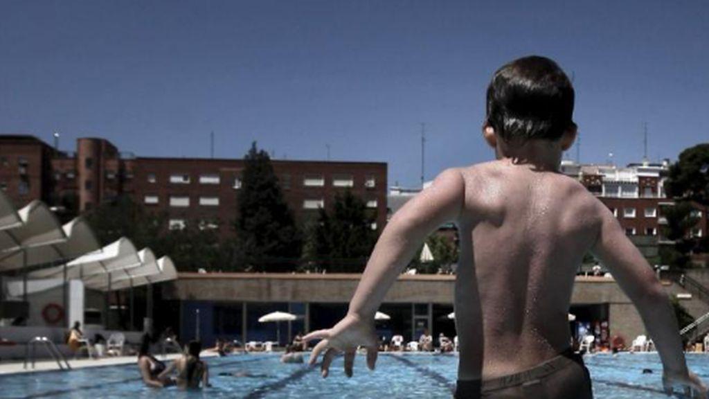 Muere un niño de tres años ahogado en Alicante al caer accidentalmente a una piscina