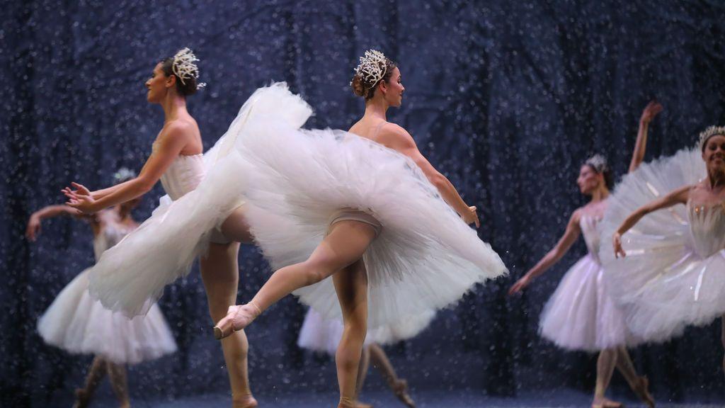 Vuelta a los espectáculos:  pelo recogido para los bailarines y conciertos de una hora sin pausa
