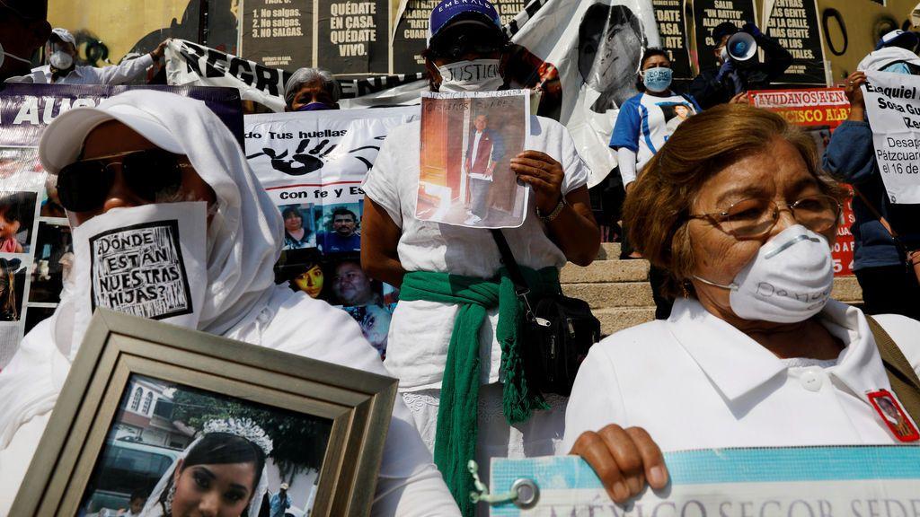 """Desapariciones de mujeres en México: """"Estarán con el novio"""", dice el gobernador de Puebla"""