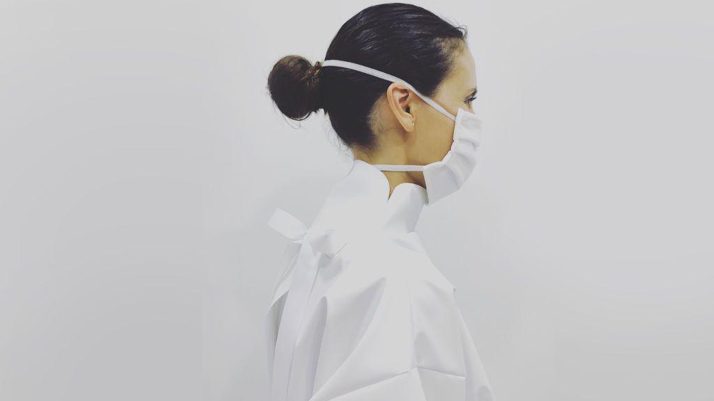 """Maria Penyarroja, la diseñadora de Alta Costura que ha patentado EPIS de cuello alto :"""" Lo mio ha sido como crear el chupa chups"""""""