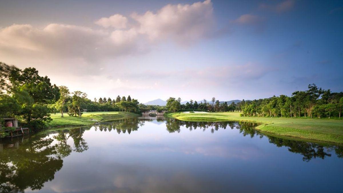 Cinco campos de golf en España donde practicar tu deporte favorito