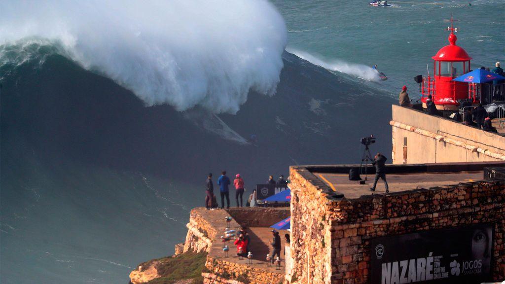 Las 12 mejores olas que todo surfista desea cabalgar