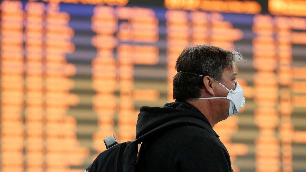 Los errores de la pandemia: ¿debió España suspender antes los vuelos con Italia?