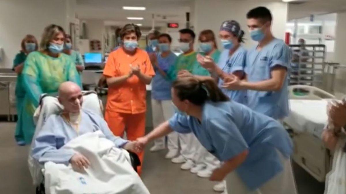 Celebración en la UCI del hospital de Alcalá de Henares: Pepe López se recupera tras 91 de lucha contra el coronavirus