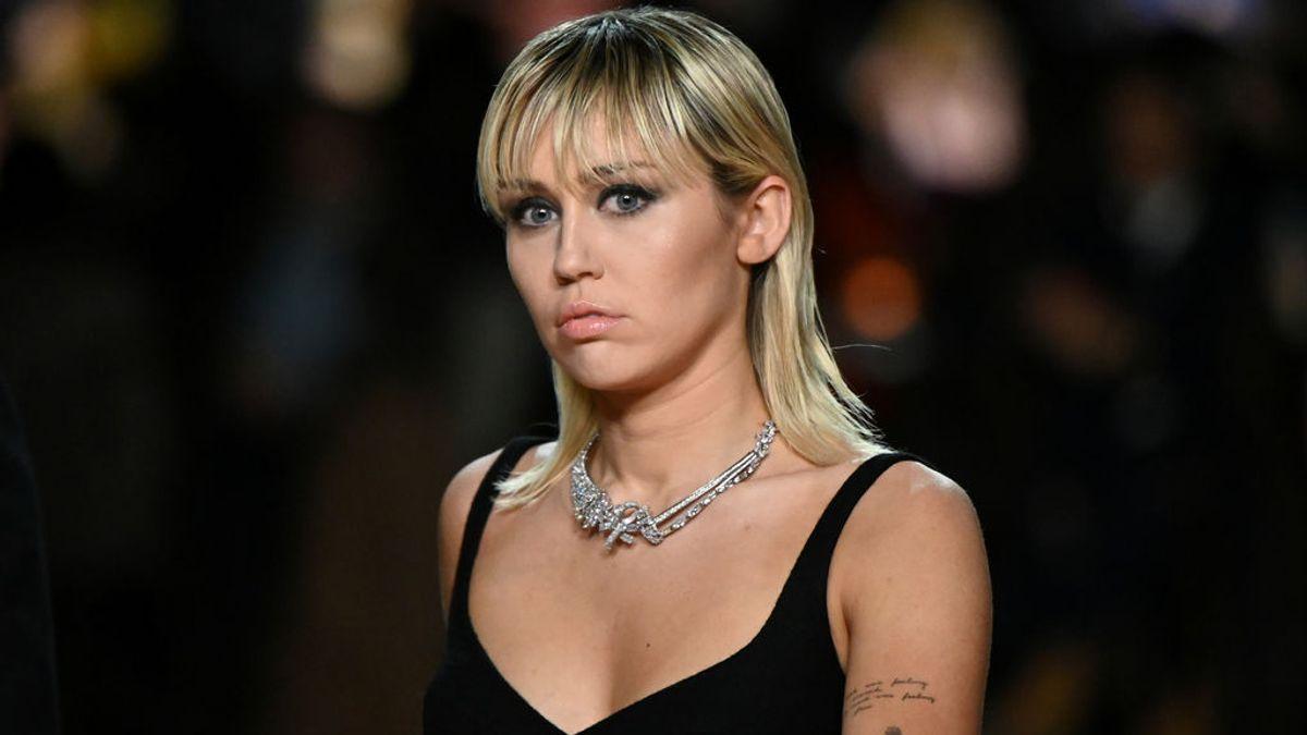 Miley Cyrus pide a Pedro Sánchez unidad para combatir el coronavirus en comunidades vulnerables