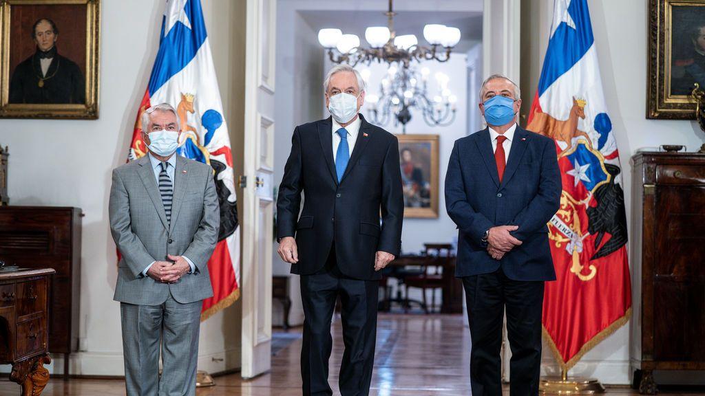 """Dimite el ministro de salud de Chile por """"la disparidad"""" de cifras sobre el coronavirus"""
